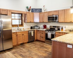 Cabin Rental with Full Kitchen
